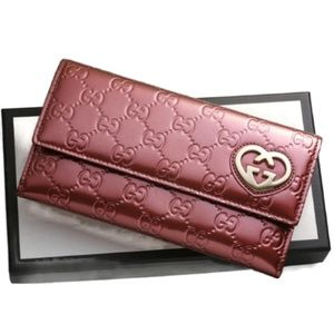 100% Auth Gucci Lovely Patent  Bifold Wallet